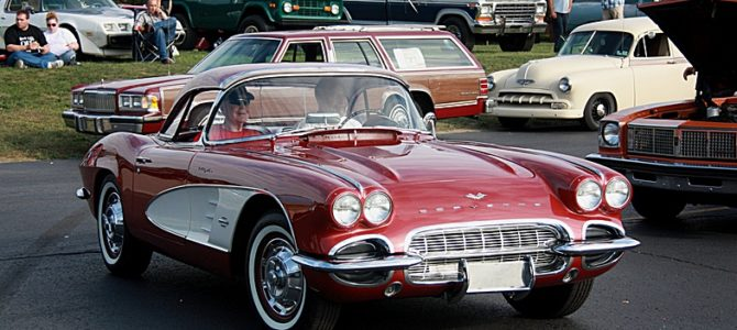 Выставка ретро-автомобилей Bakers Car Show, Milford, Michigan