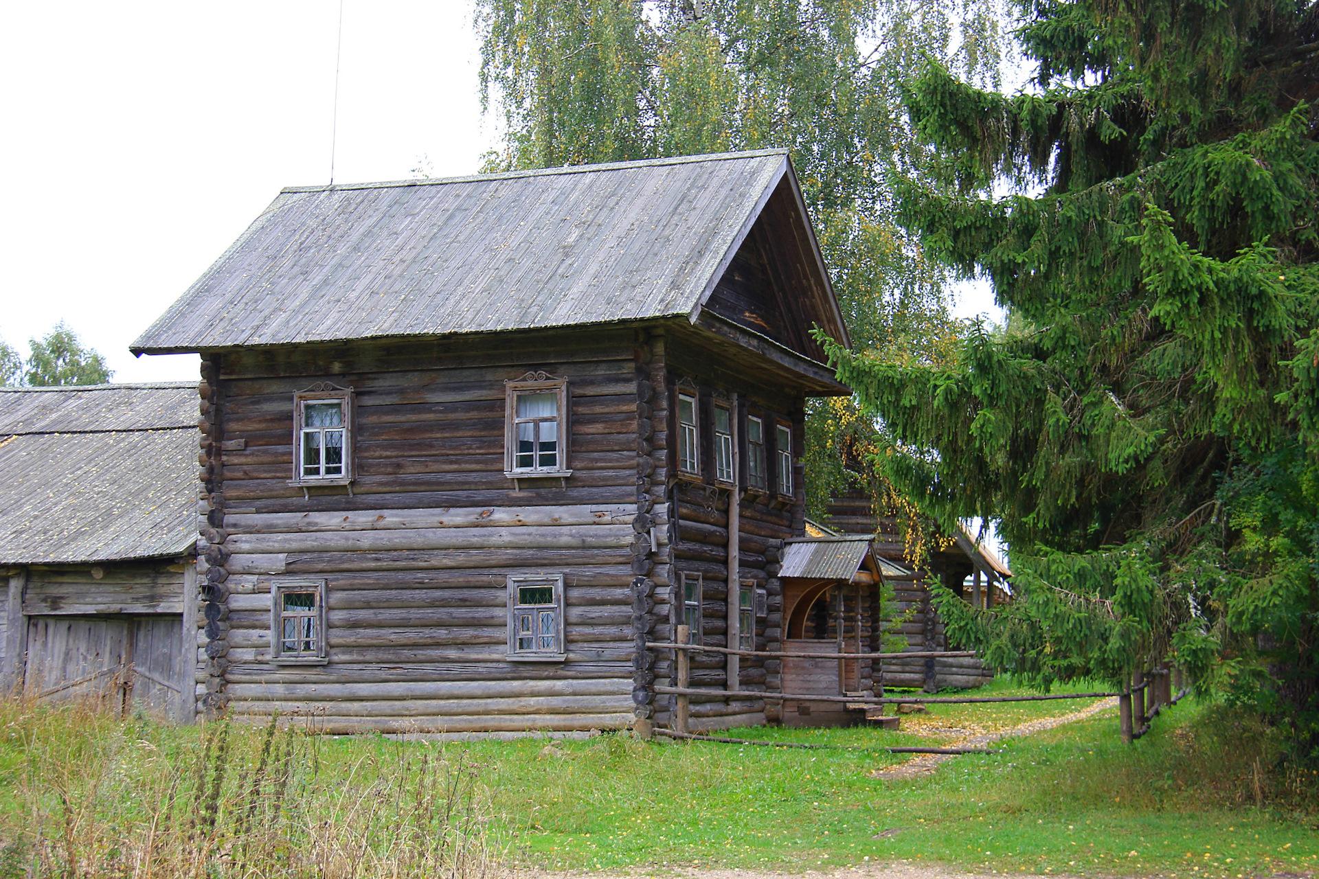 pamyatnik-narodnogo-zodchestva-dom-traktir