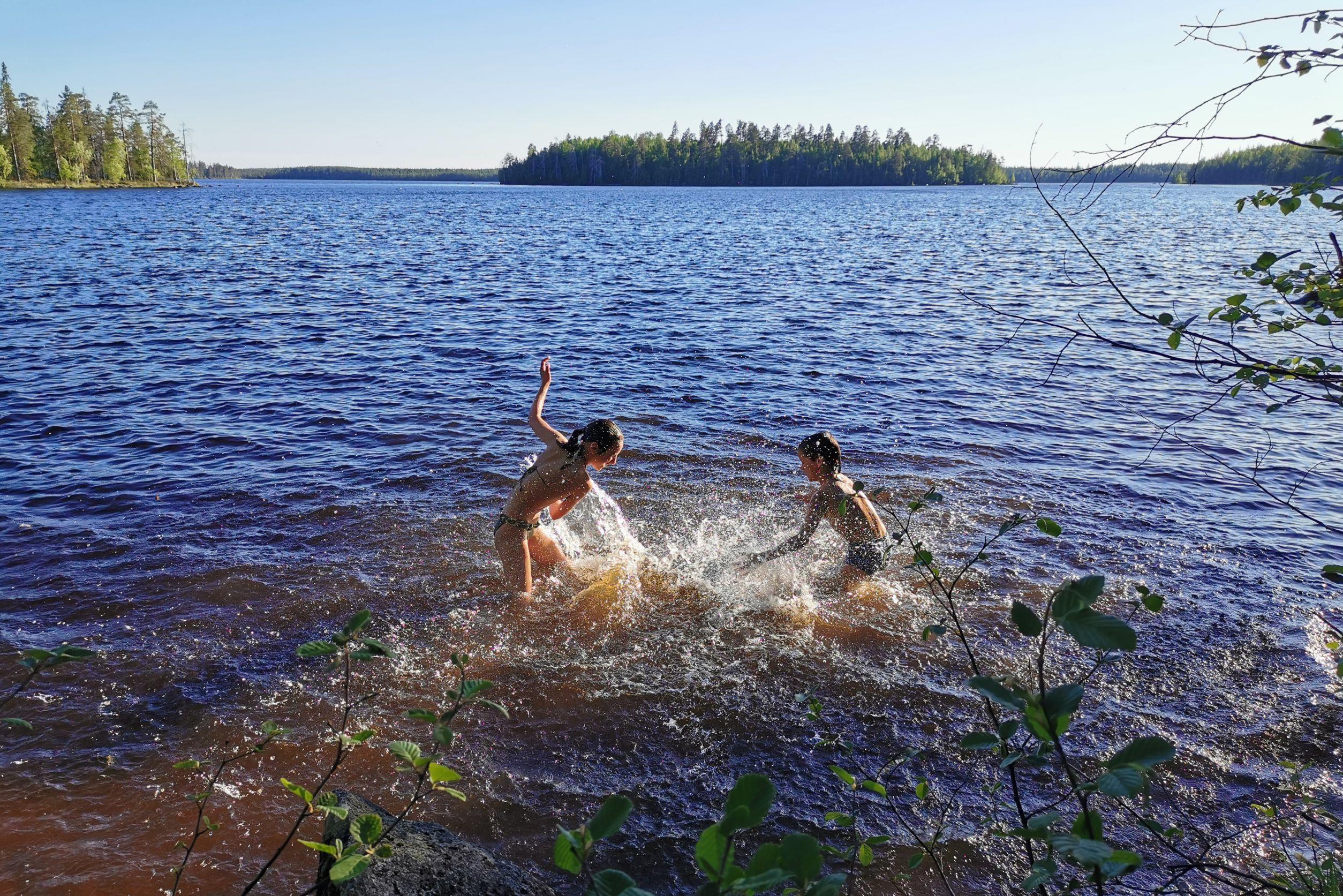 kareliya-kupanie-na-ozerah