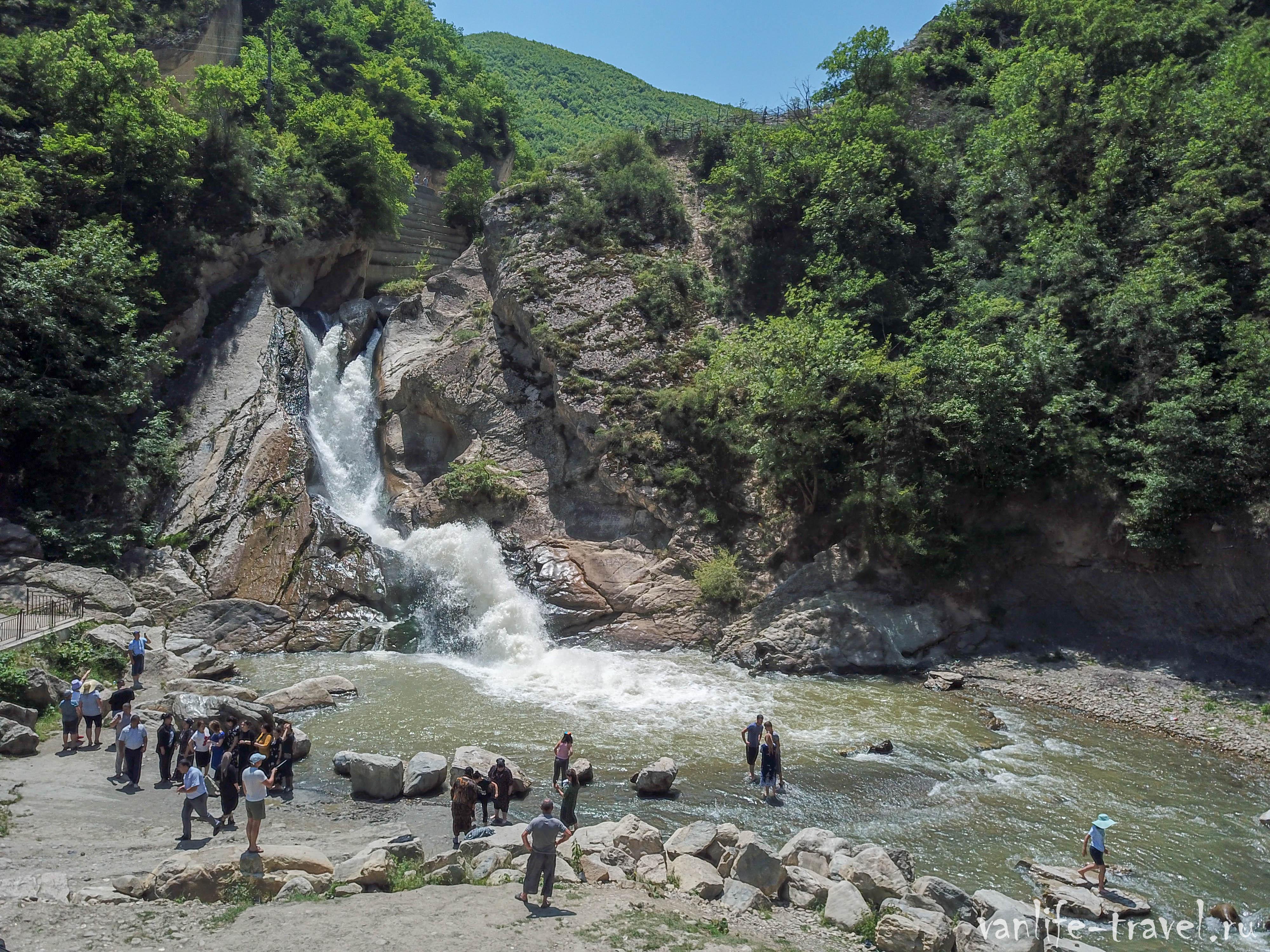 hanagskij-vodopad-huchni